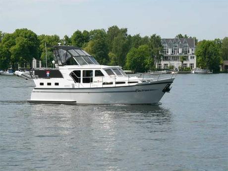 motorboot pedro skiron 35 mieten deutschland binnengew sser untere havel charter motorboote. Black Bedroom Furniture Sets. Home Design Ideas