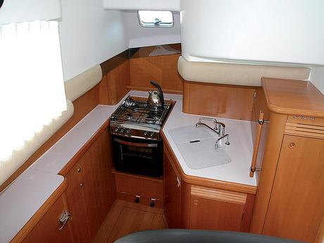 Beneteau Lagoon Power 43