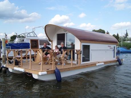 hausboot pontonboot funboot havelsee mieten deutschland. Black Bedroom Furniture Sets. Home Design Ideas