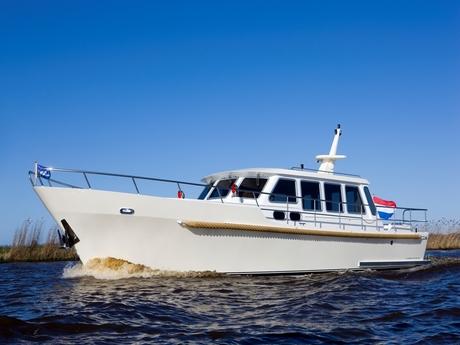 motorboot de drait bravoure 45 mieten deutschland binnengew sser untere havel charter motorboote. Black Bedroom Furniture Sets. Home Design Ideas