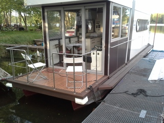 hausboot hafen nahmitz canalboat 1000 mieten deutschland binnengew sser untere havel chartern. Black Bedroom Furniture Sets. Home Design Ideas