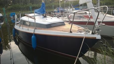 segelboot neptun 22 mieten deutschland ostsee greifswalder bodden segeln charter segelboote. Black Bedroom Furniture Sets. Home Design Ideas