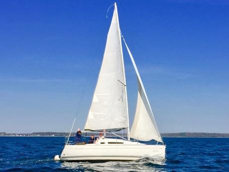 segelboot jeanneau sun fast 26 mieten deutschland ostsee kieler bucht segeln charter segelboote. Black Bedroom Furniture Sets. Home Design Ideas