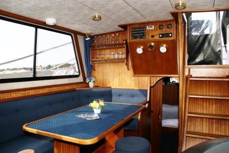 motorboot succes 108 ultra mieten deutschland binnengew sser mecklenburger seenplatte charter. Black Bedroom Furniture Sets. Home Design Ideas