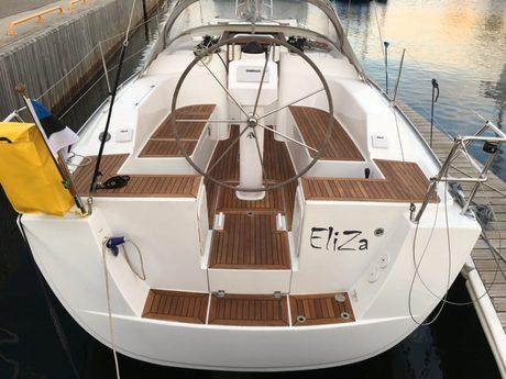 segelboot hanse 325 mieten estland ostsee estland segeln charter segelboote chartern boote. Black Bedroom Furniture Sets. Home Design Ideas