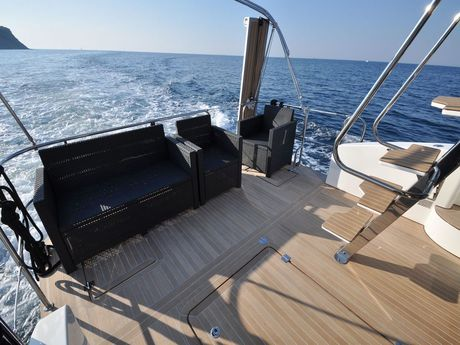 "Cobra Yachts Futura 40 Grand Horizon ""Laura"""